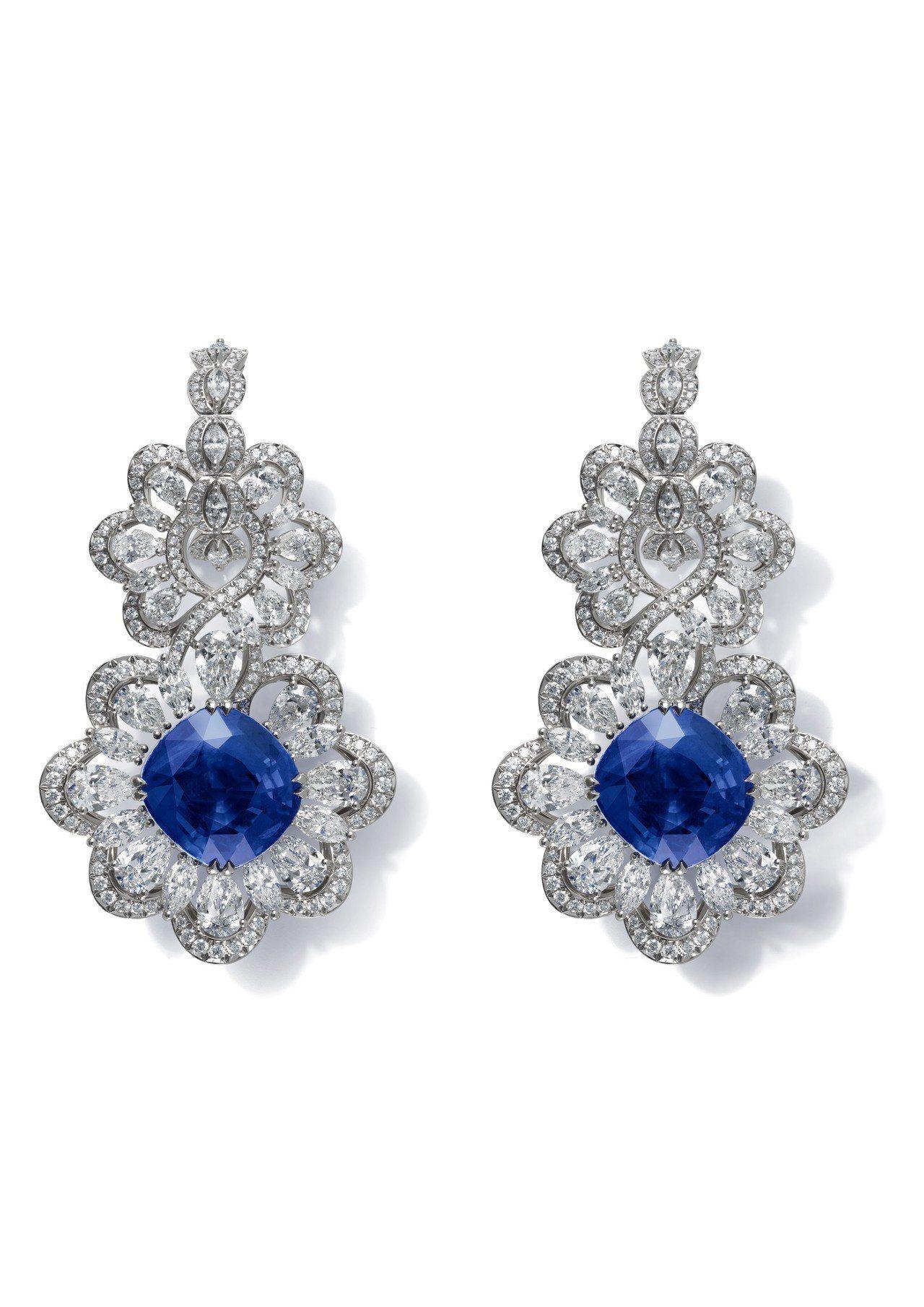 蕭邦Precious Lace 系列耳環,18K白金鑲嵌兩顆枕型切割31.9克拉...