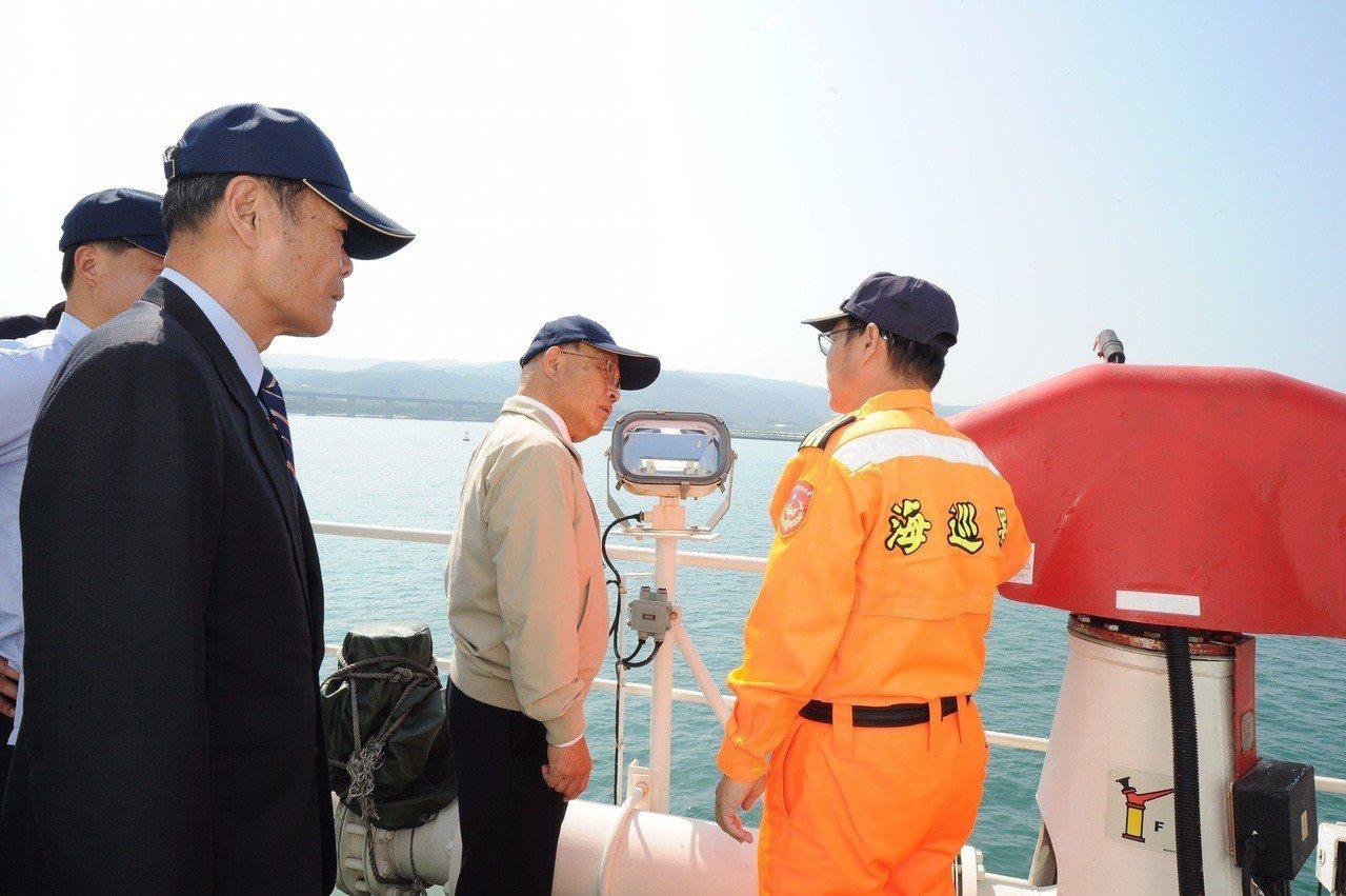 蘇貞昌今天視察台北港海巡基地。圖/行政院提供