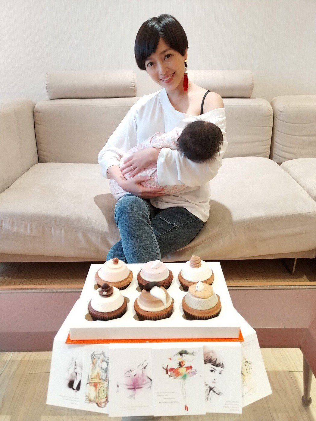 貝童彤花6萬買彌月禮盒。圖/星恆娛樂有限公司提供