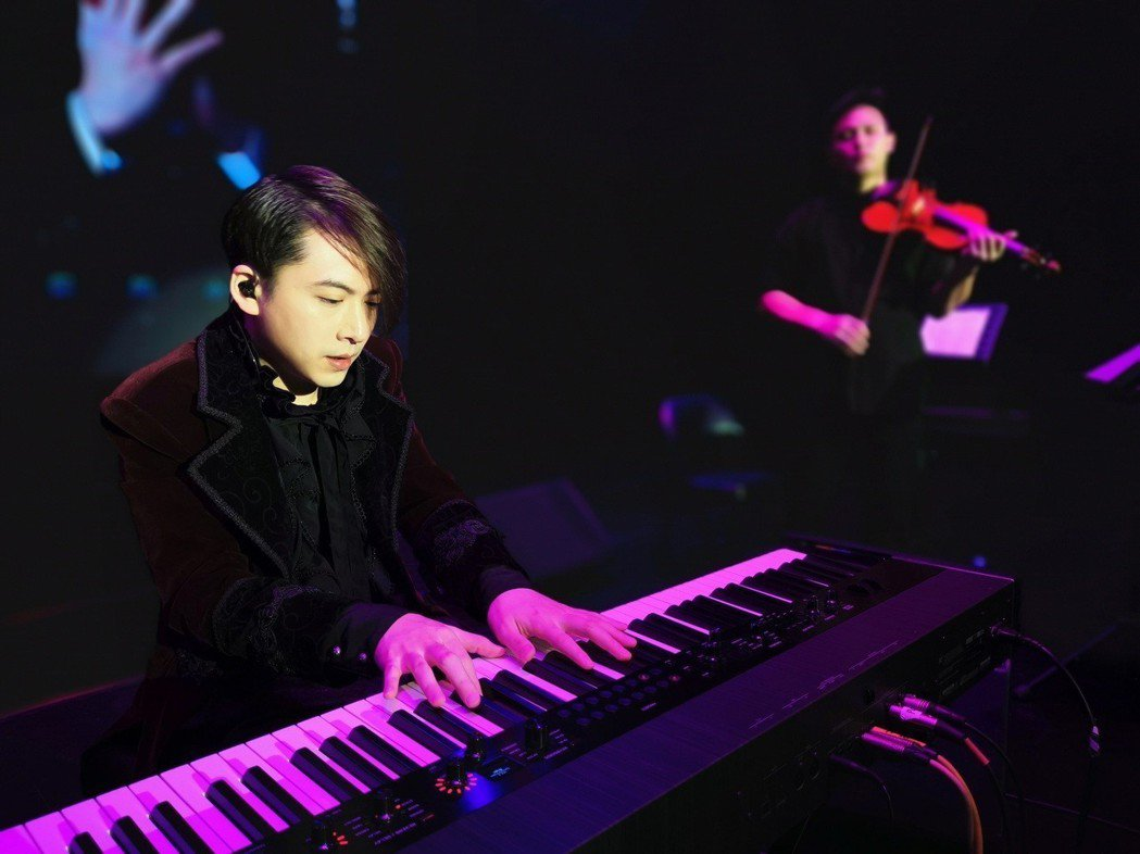 亞洲流行鋼琴演奏大師V.K克全新巡演在台四場完售。圖/小巨人音樂國際提供