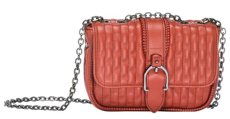 Amazone Matelassé系荷篷包紅色XS尺寸,售價31,100元。圖/...