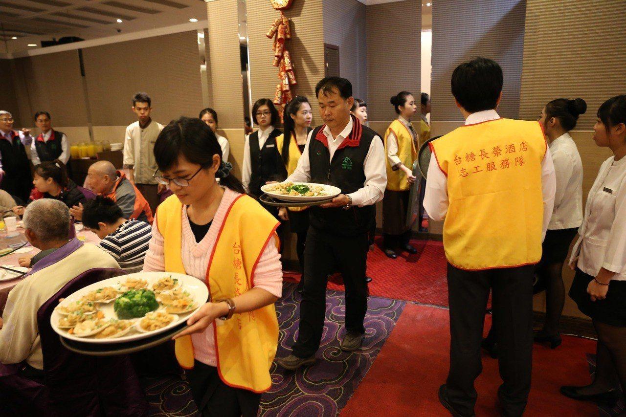 台糖長榮酒店舉行第五屆「2019豬事圓滿公益圍爐晚宴」。圖/台糖長榮酒店提供
