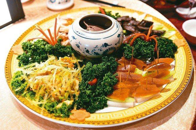 開春冷盤(烏魚子、鳳腿照月、阿舍香腸、涼拌雞絲、醉豬心) 圖/鄔智明提供