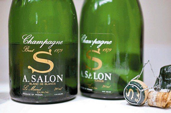 唯有歷經時間昇華的香檳,能與滿桌的年菜匹敵。 圖/聶汎勳