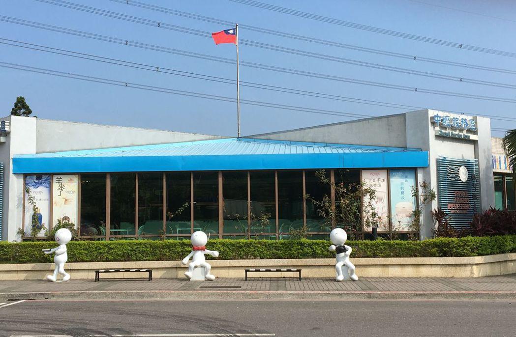 中壢服務區為國道第一個設立的服務區。 圖/高公局提供