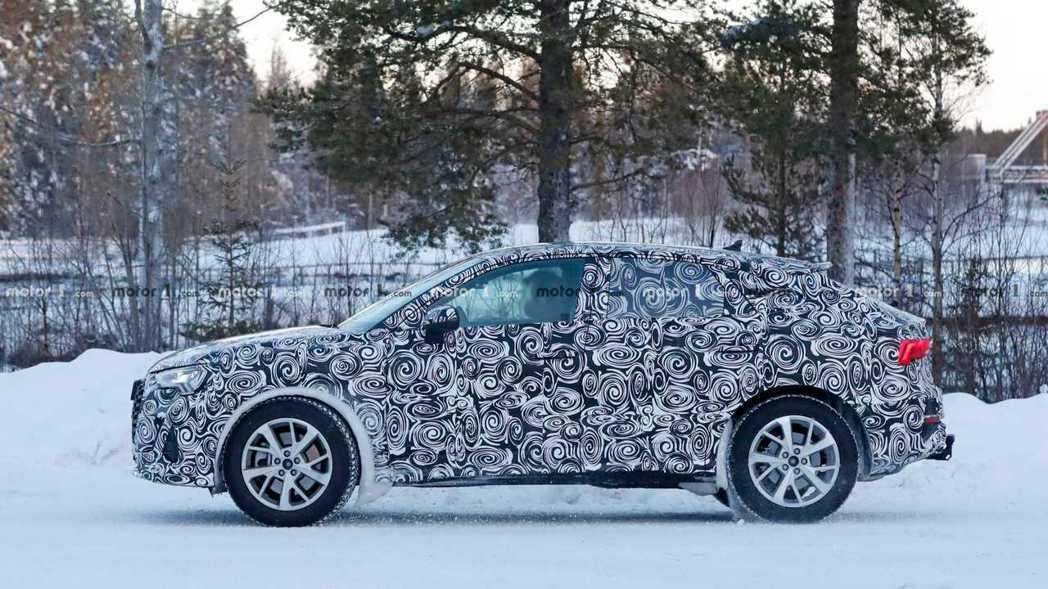 全新Audi Q4偽裝測試車。 摘自Motor 1