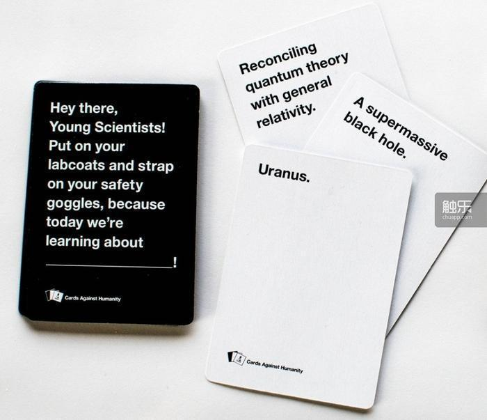 《反人類牌》是個類似《妙語說書人》(Dixit)的聚會遊戲,玩法簡單來說就是「完...