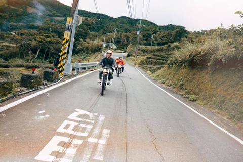 一群熱血的男生,將各自的專長集結起來,組了一個車隊,環島到台灣各地,接案做影音製...