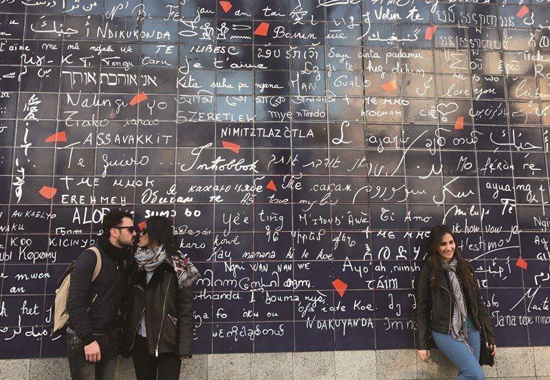 巴黎蒙馬特愛牆。(中央社曾依璇)