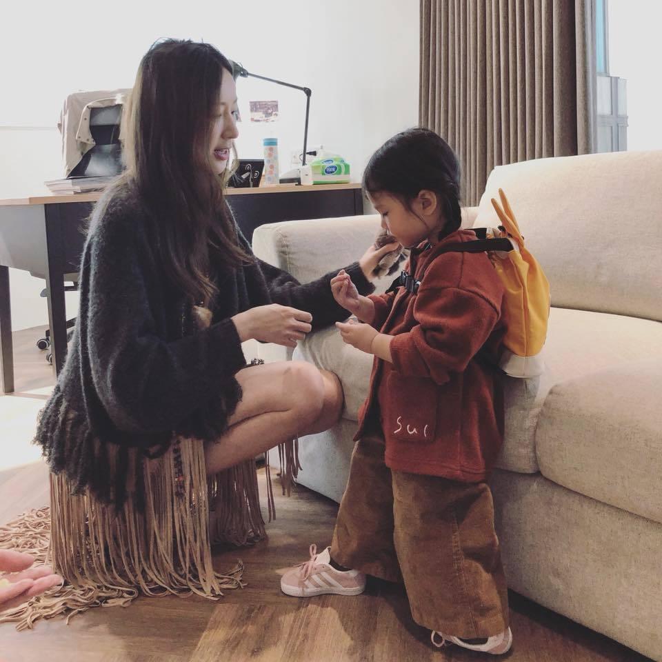 身為媽媽的隋棠看了虐童新聞感到爆氣。圖/摘自臉書