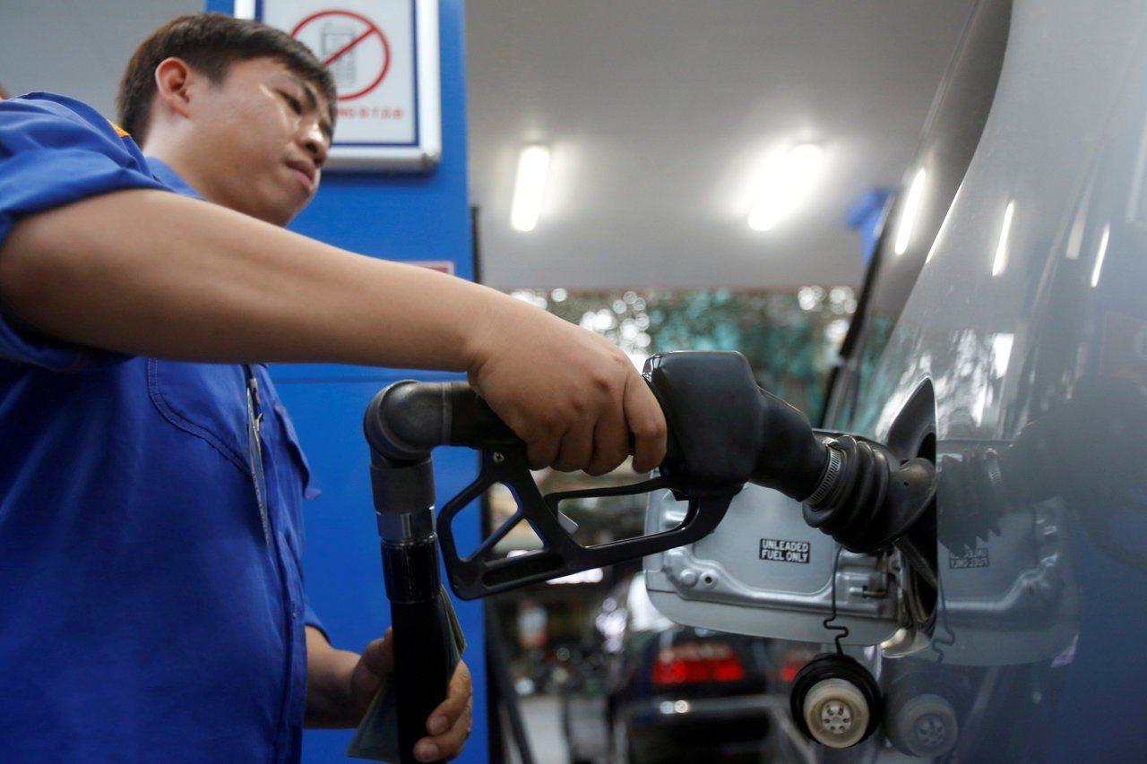 油價周三上漲近2%。 路透
