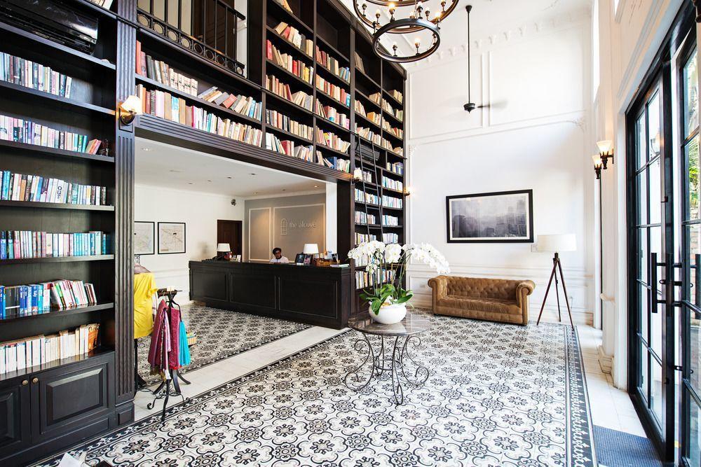 位於胡志明市的阿爾科夫圖書館酒店The Alcove Library Hotel...
