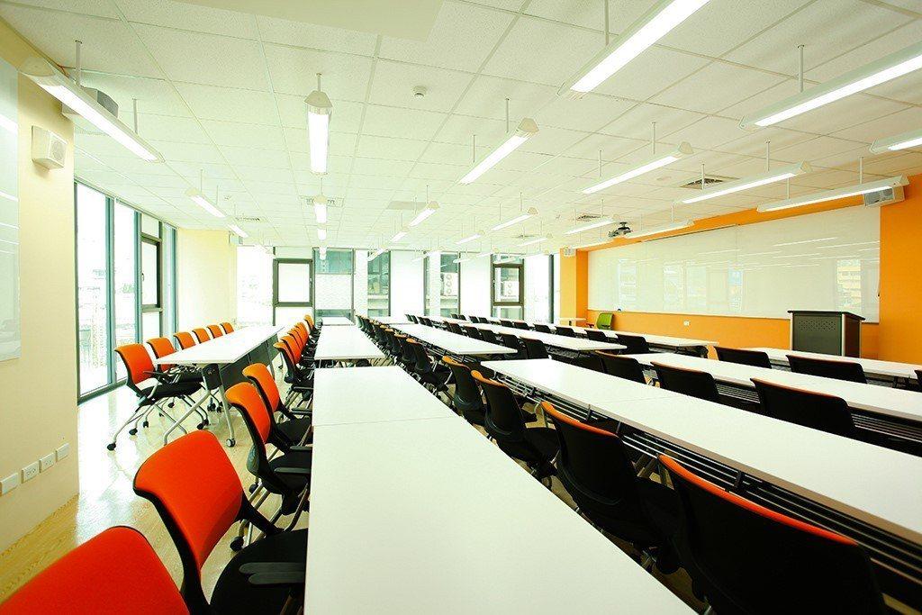 創新未來學校教室位於內湖科技園區內企業教育訓練優質場地。圖/創新未來學校提供