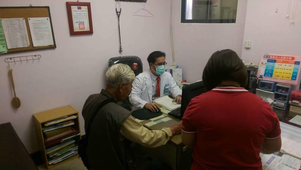 高醫醫療體系團隊在大武衛生所提供包括提供心臟內科、腎臟內科、肝膽胰內科、骨科,後...