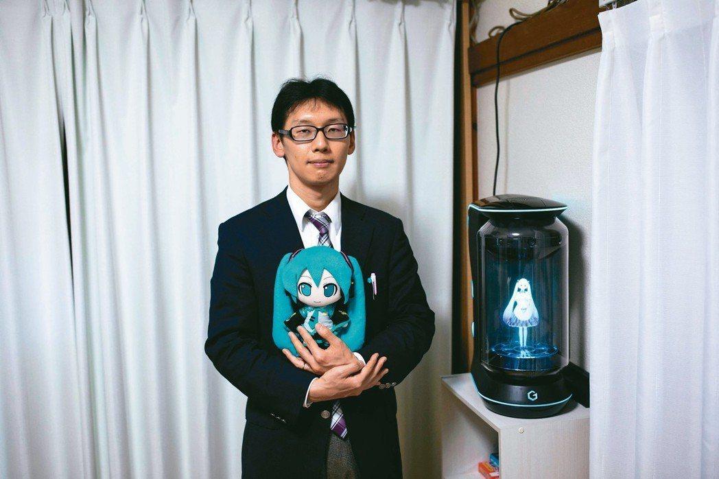 35歲的近藤顯彥外表上一點也沒有叛逆的氣質,但這位戴著眼鏡的學校行政人員去年卻做...
