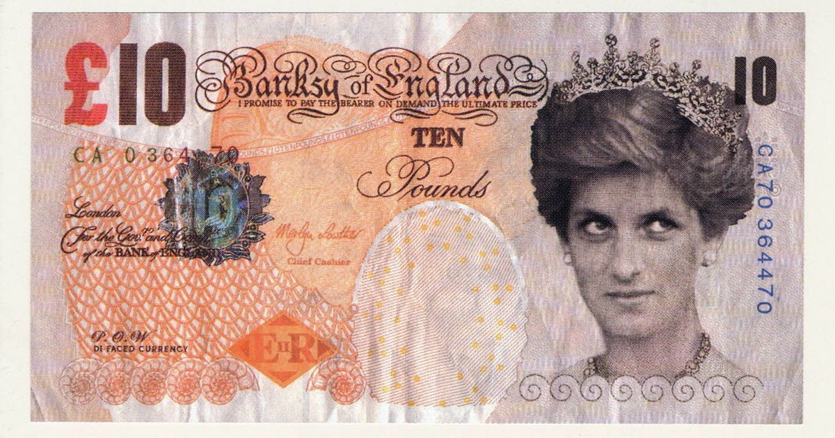 大英博物館收藏班克西的第一件作品:黛妃10鎊紙幣。取自Pest Control辦...