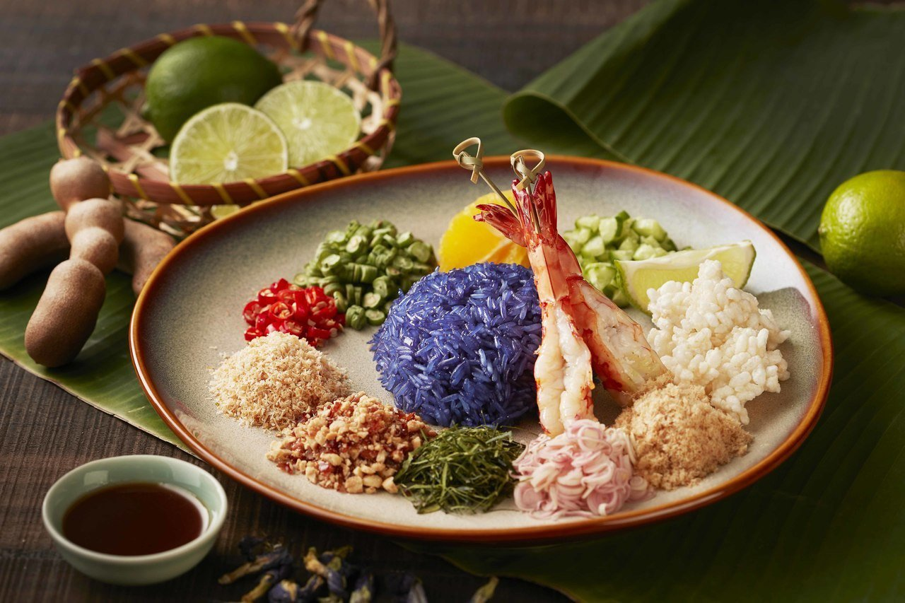 明蝦蝶豆香米飯。台北喜來登/提供