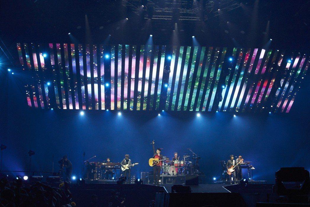 Mr.Children絢麗舞台令人驚豔。圖/(C)osami yabuta 提供