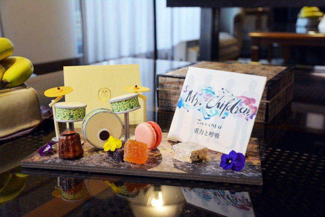 鼓手的房間擺放著造型小鼓甜點。圖/君品飯店提供