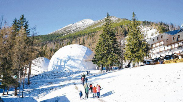 塔特拉山國家公園內有萬年冰洞、溶洞、湖泊和懸谷…等,是斯洛伐克最大的寶藏。 報系...