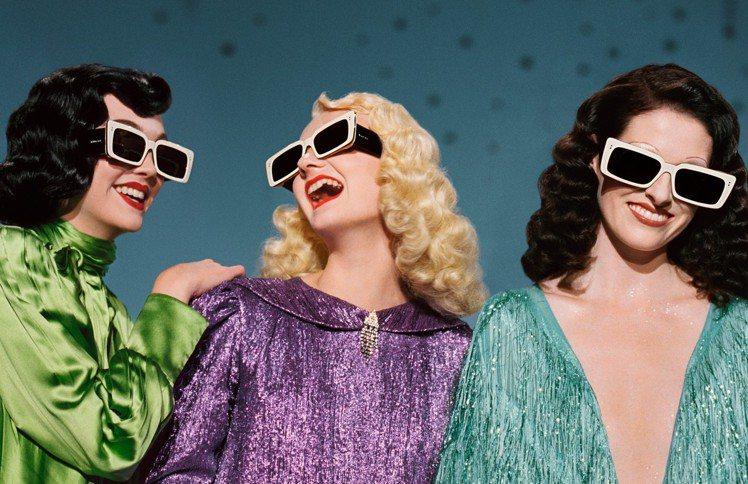 Gucci延續去年在巴黎Théâtre Le Palace劇院上演的時尚秀,以重...