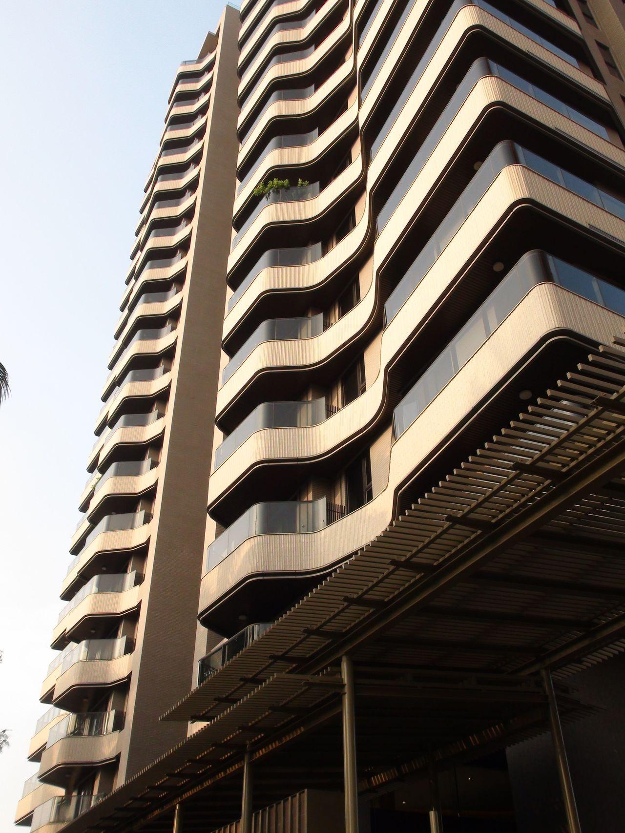 棠宇建設「景中泱」,21層建築每層只有2戶,全棟38戶,每戶約120坪。記者謝梅...