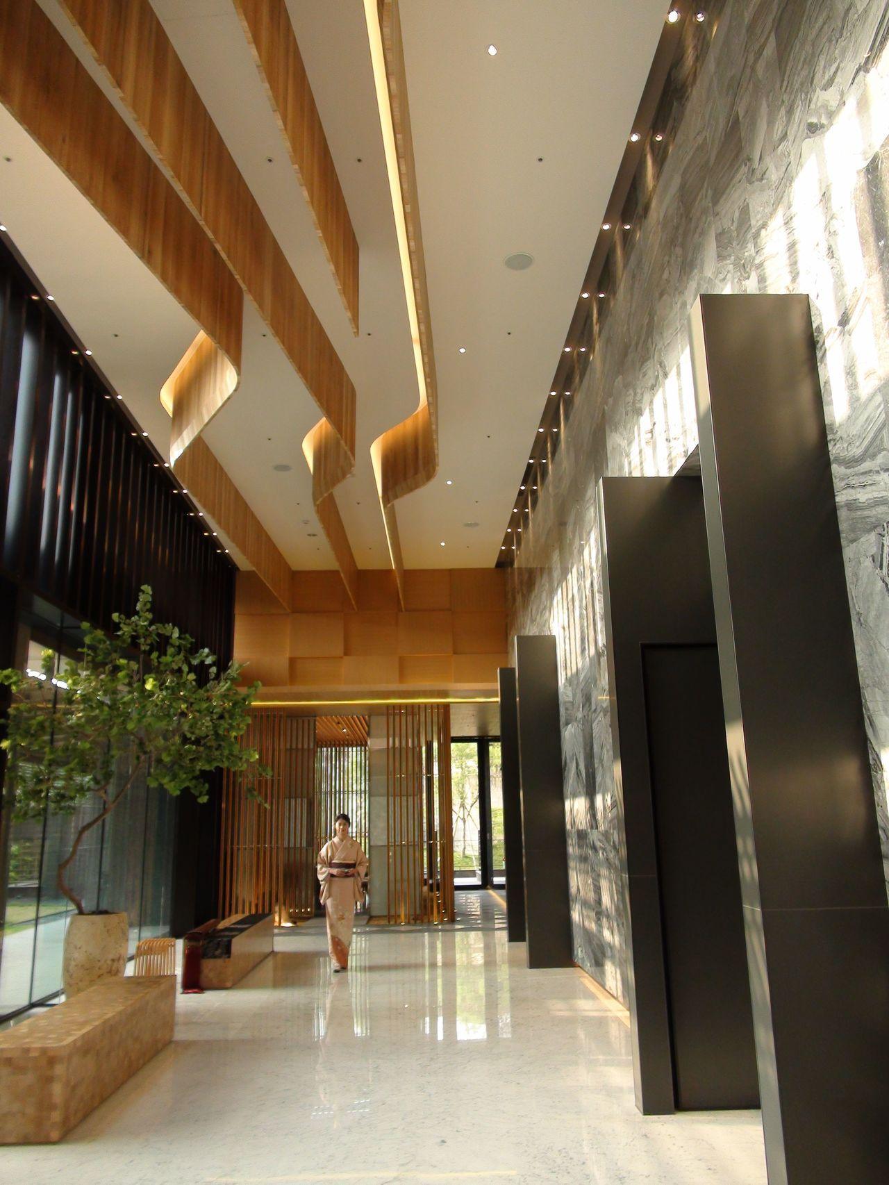 棠宇建設「景中泱」,21層建築每層只有2戶,全棟38戶,每戶約120坪,6千萬元...