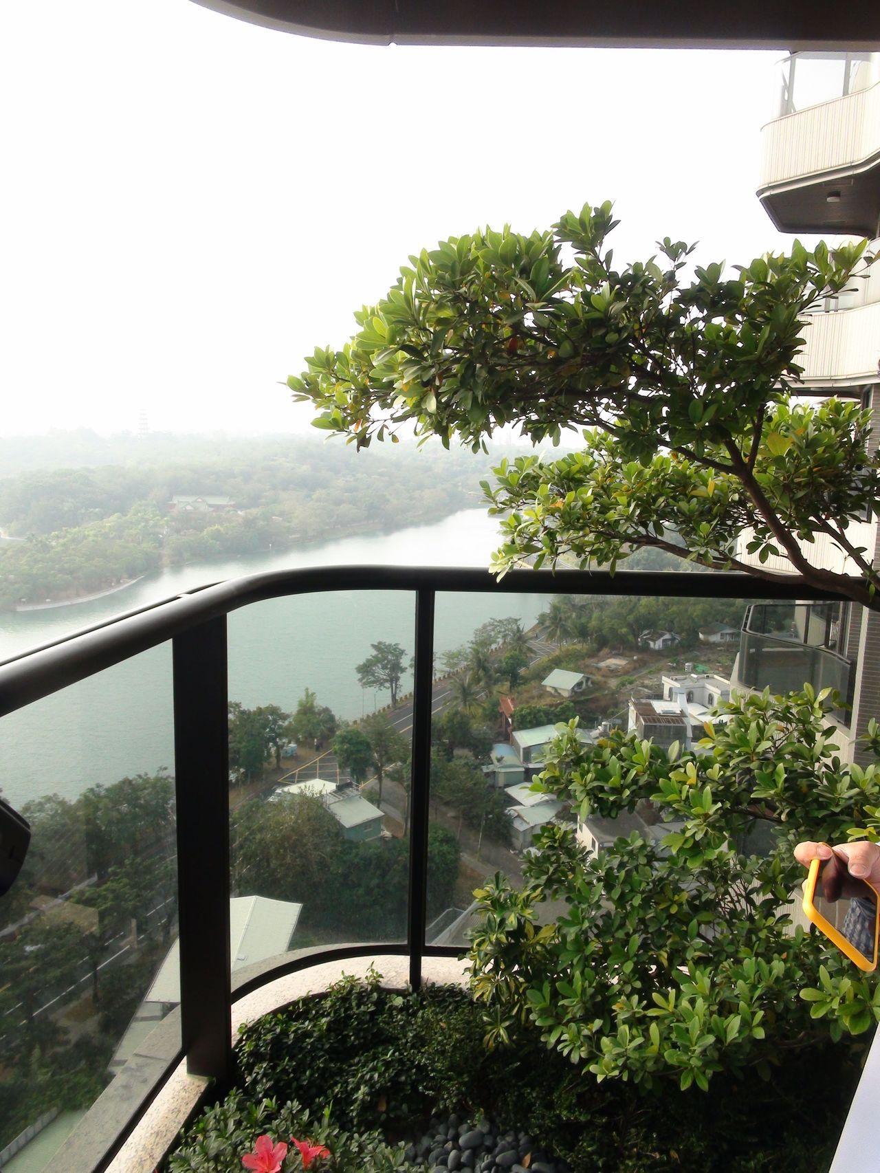 高雄澄清湖畔的房市也十分看好。記者謝梅芬/攝影