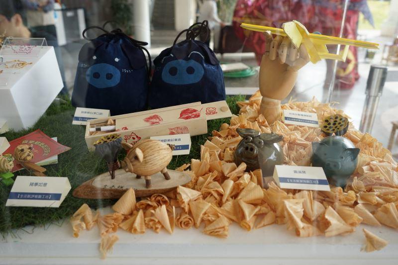 工藝中心豬年推出各式小豬DIY工藝品。圖/取自工藝中心官網