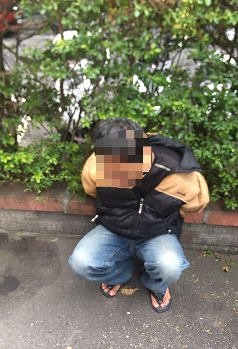 簡姓嫌犯連續搶奪路人,落網供稱因為沒錢包紅包給女友。記者林昭彰/翻攝
