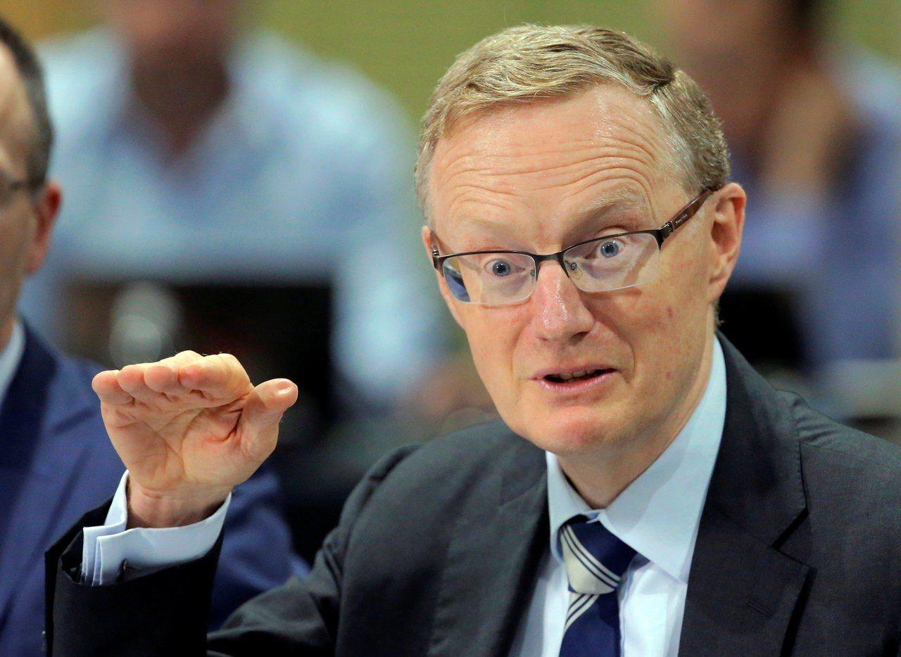 澳洲央行總裁洛威(見圖)6日表示,未來升息與降息的機率相當。 路透
