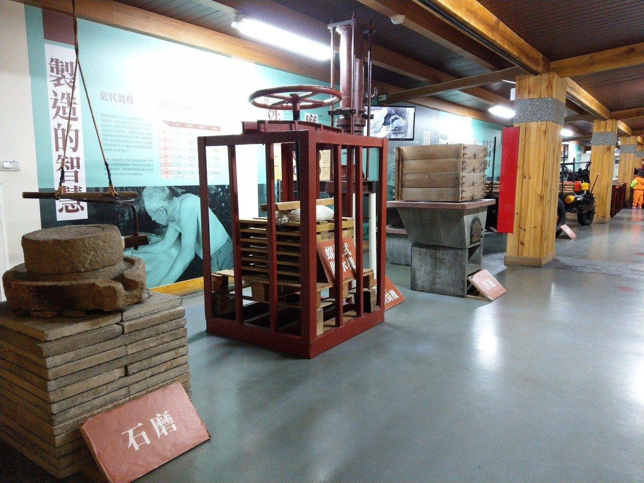 虎牌米粉產業文化館可以看到傳統製作米粉的機具。 記者戴永華/攝影
