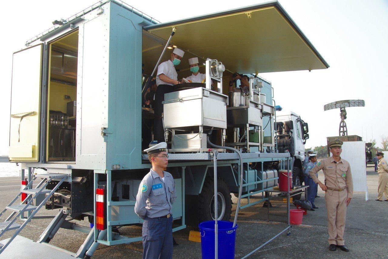 海軍海鋒大隊的野戰食勤車,是中科院以賓士卡車改成。資料照,記者程嘉文/攝影