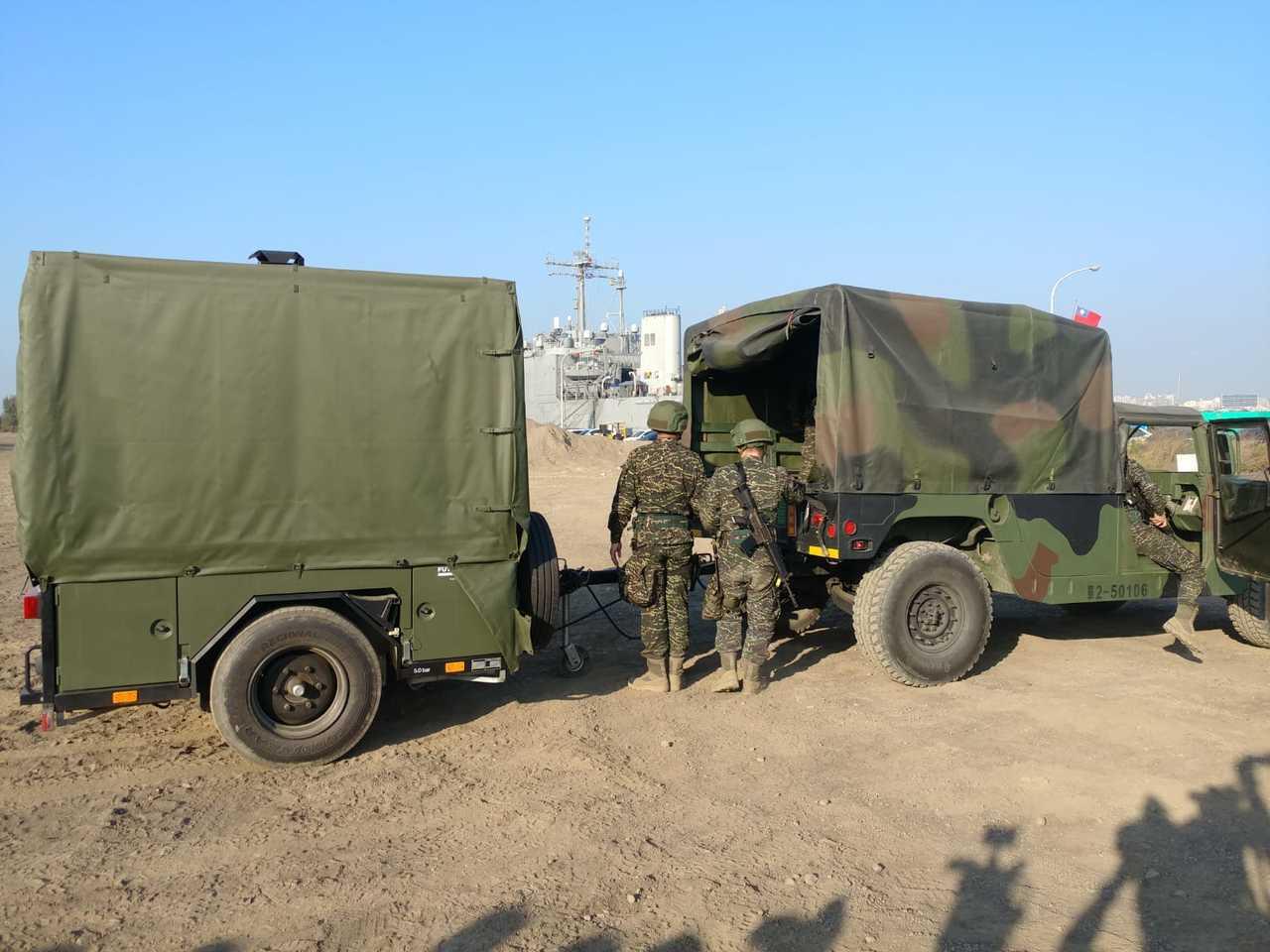 所有裝備收拾完成後,可以用一輛悍馬車拖運。記者徐宇威/攝影