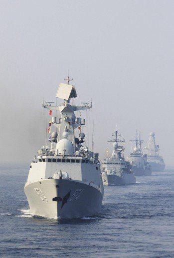 10年來,亞丁灣、索馬里海域的海盜事件在減少。 中國新聞社