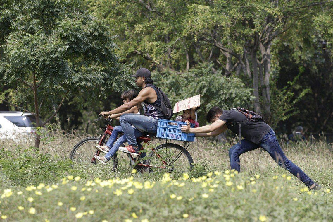 逃往哥倫比亞的委內瑞拉難民。 圖/美聯社