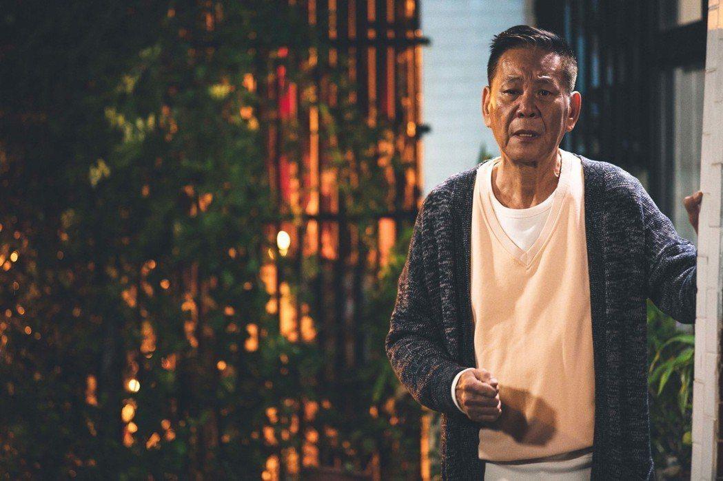 龍劭華在「艾蜜麗的五件事」中飾演鍾瑶的父親。圖/東森提供