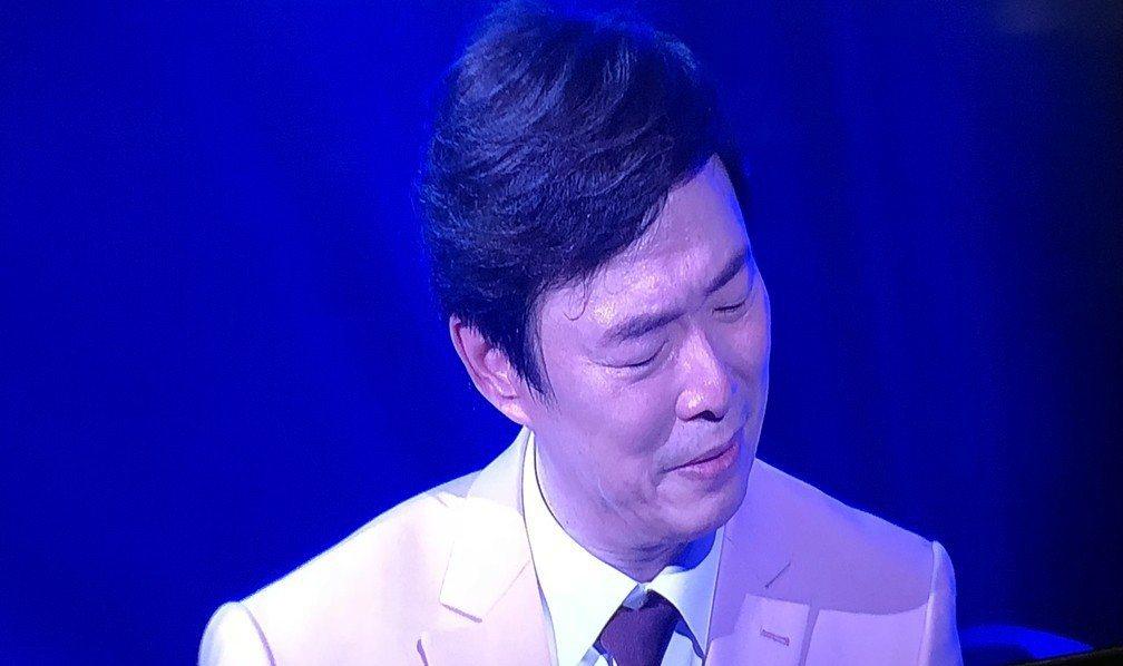費玉清在台上淚崩。記者林士傑/攝影