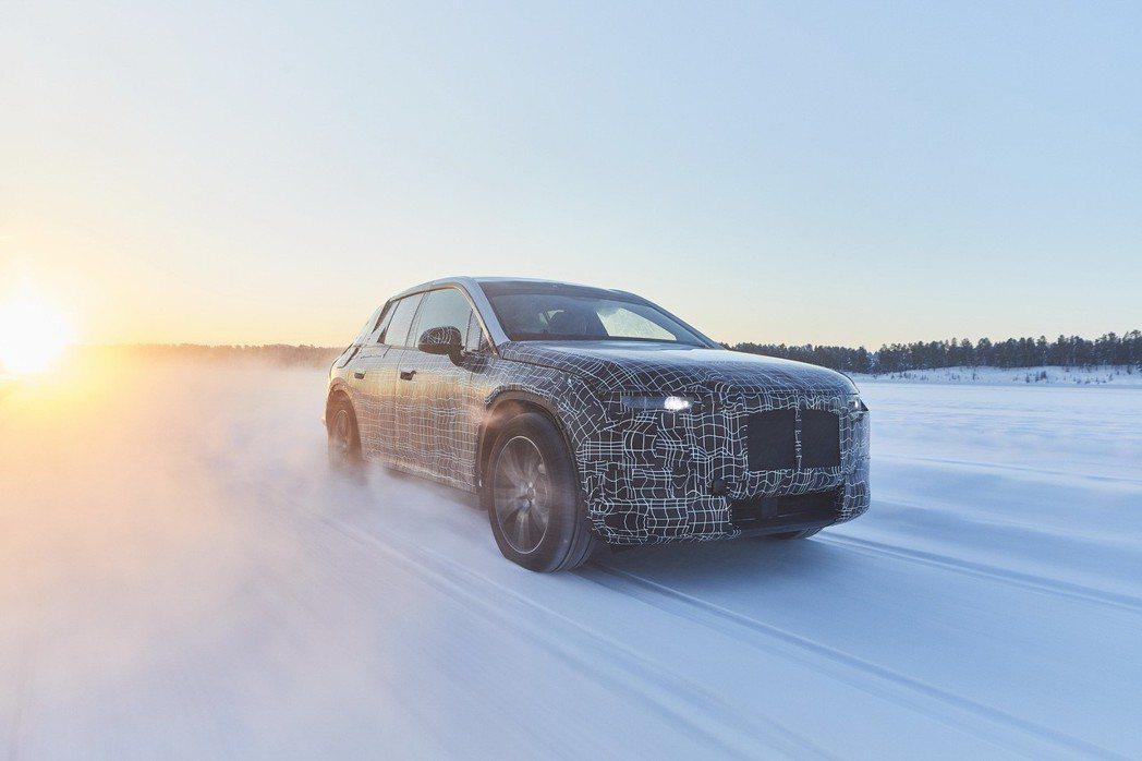 準量產版的BMW iNEXT日前在冰天雪地裡進行測試。 摘自BMW