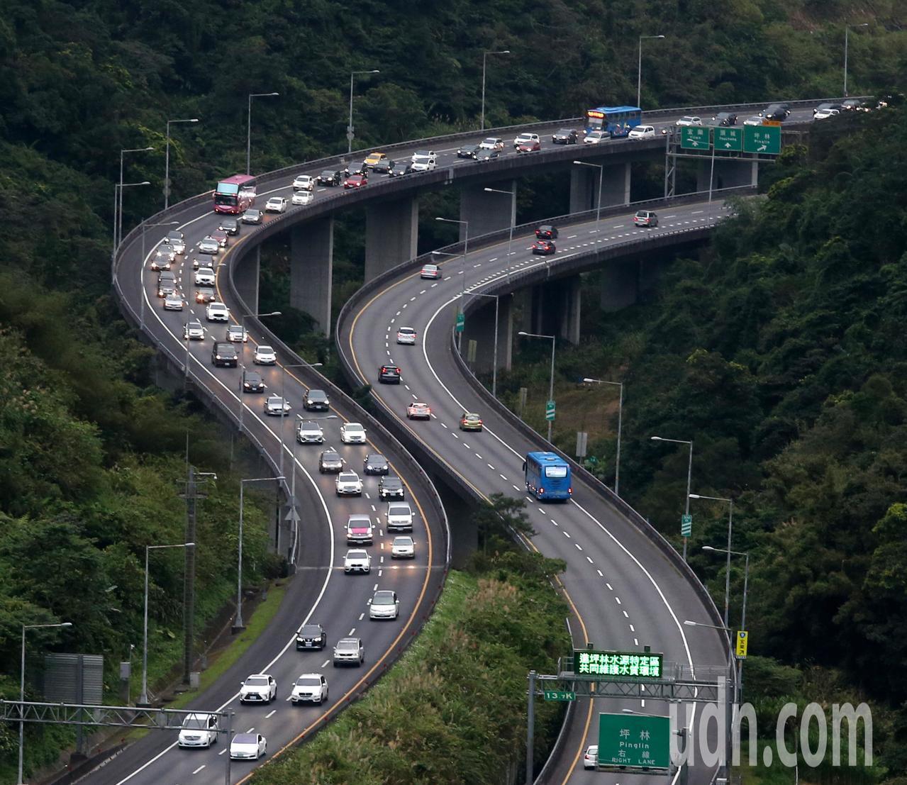國5北向路段已現壅塞。聯合報系資料照/記者邱德祥攝影