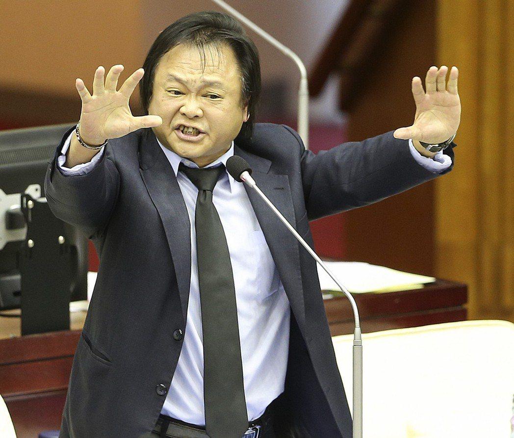 民進黨台北市議員王世堅被網友封為「最強扶龍命格」。圖/聯合報系資料照片