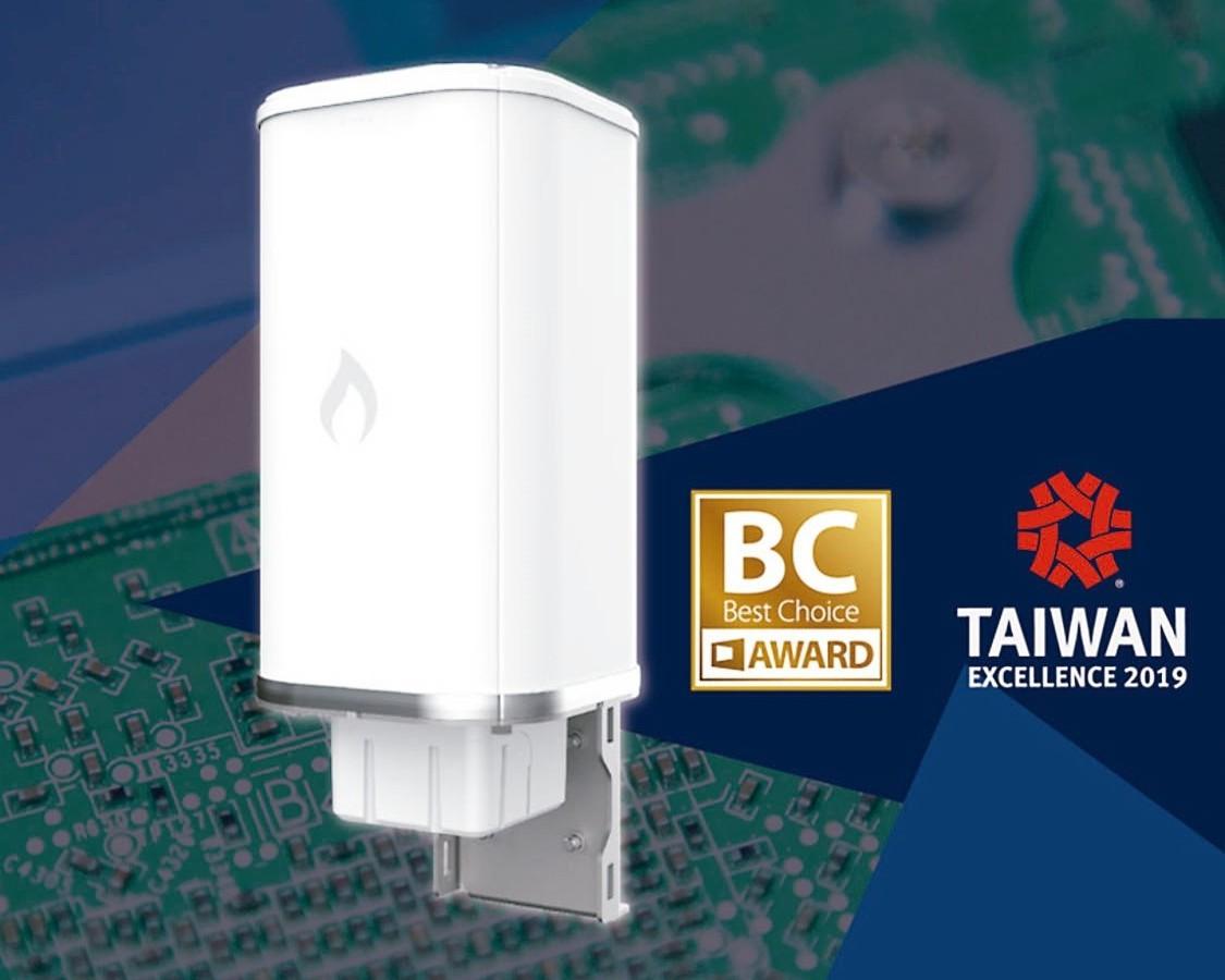 智邦全力備戰5G,圖為旗下雲炬網路的三頻全向性基地台。 智邦/提供