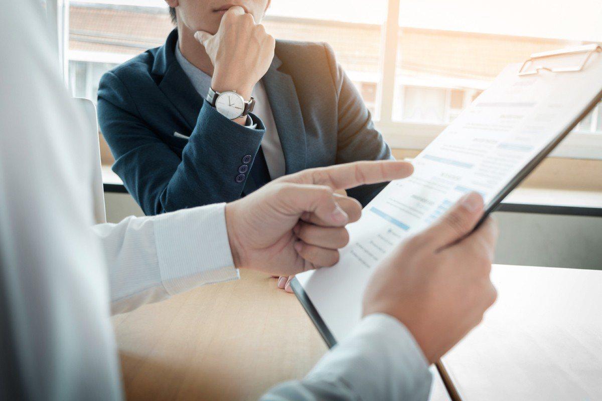 農曆年後是上班族轉職高峰,人力顧問提出履歷撰寫4大重點。圖/ingimage提供