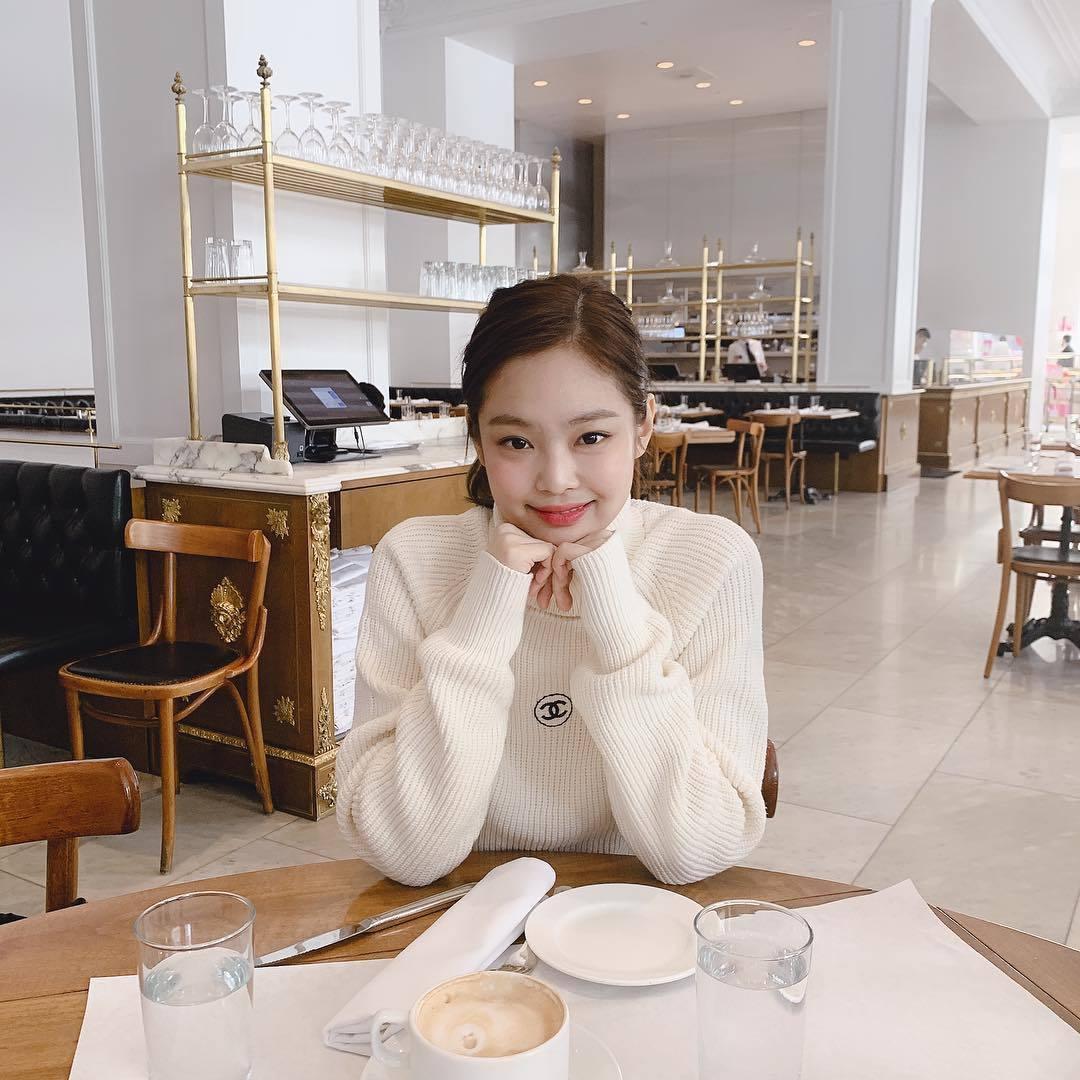 「Red Velvet」的Irene與「BLACKPINK」的Jennie可是出...