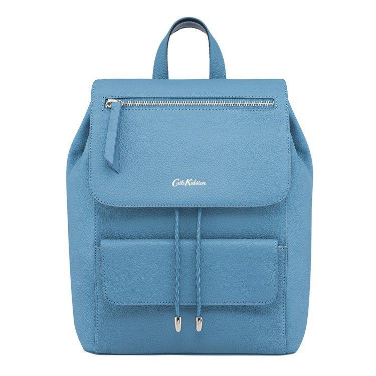 粉藍皮革背包,7,980元。圖/Cath Kidston提供