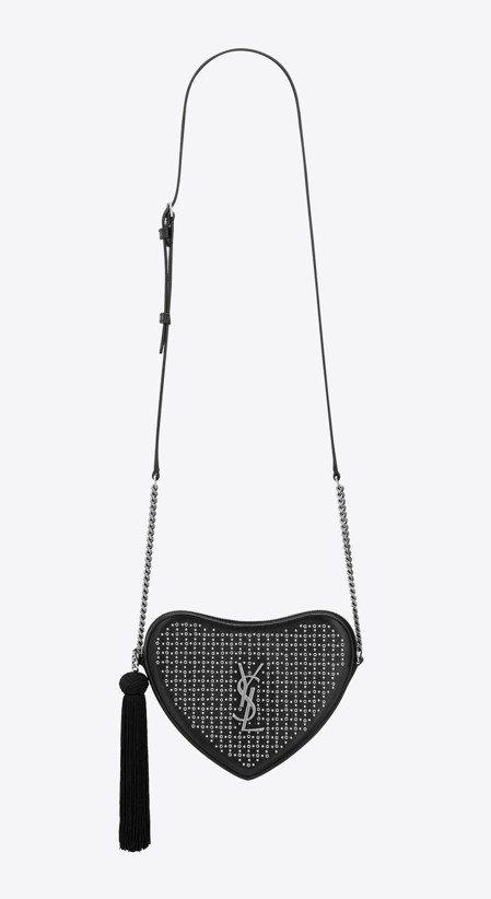 Coeur黑色鉚釘愛心鍊帶肩背包,63,900元。圖/Saint Laurent...