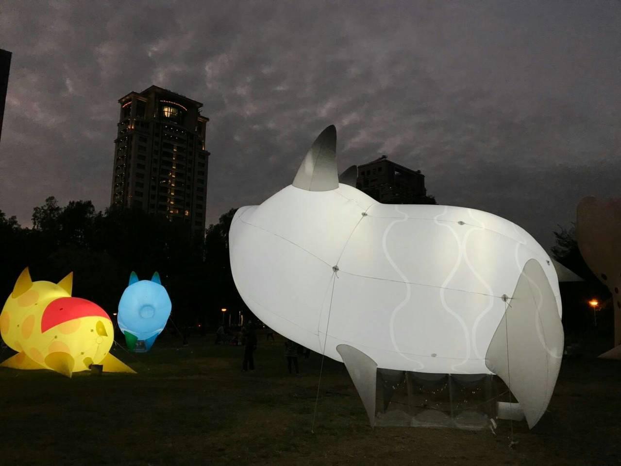 台中燈會今年在文心森林公園,生肖豬造型花燈為主題。圖/觀光旅遊局提供