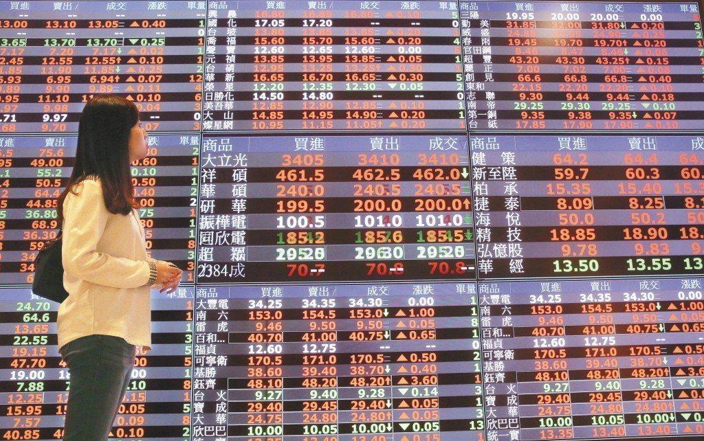 統一投顧董事長黎方國表示,目前看好台股方向不變,尤其是1月全球投資市場走揚,更代...