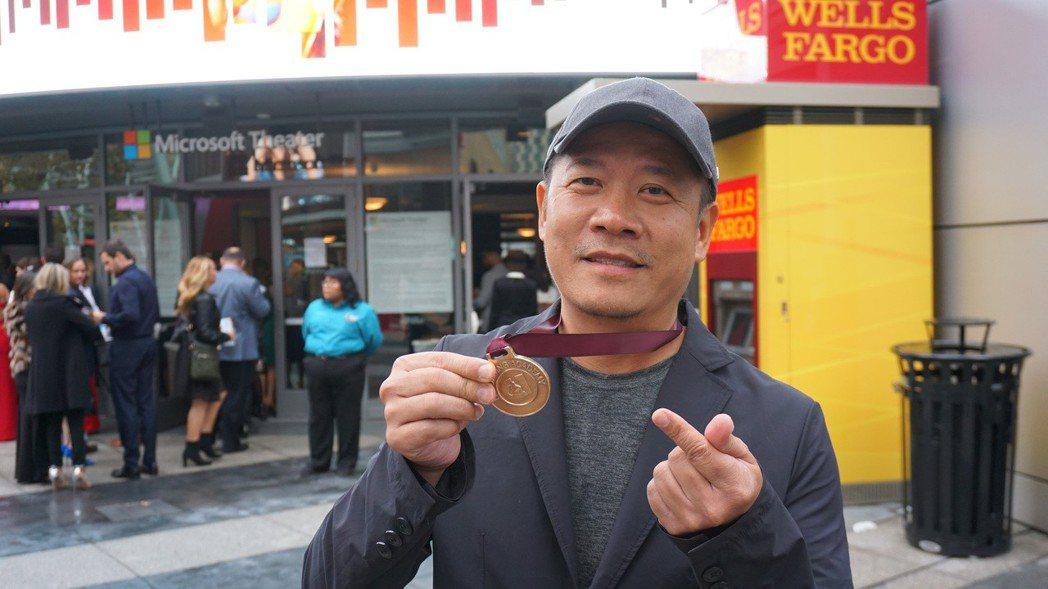 台灣藝術家蕭青陽以董事長樂團「祭」入圍葛萊美獎唱片專輯設計獎,雖然沒能獲獎,他說