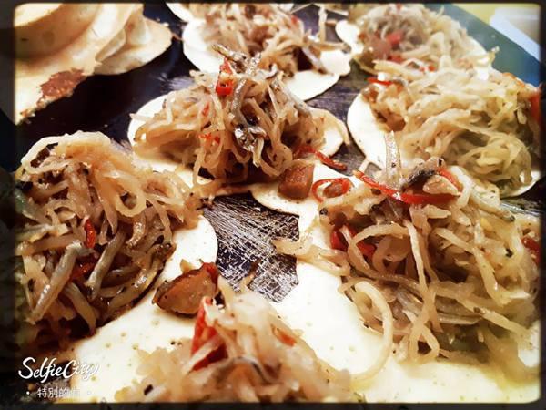 辣炒小魚乾+蘿蔔絲口味。 圖片來源/餅告大人民生總店粉專